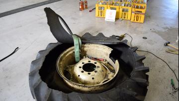 423 litry wódki w kołach do traktora. Celnicy: unikatowa sytuacja