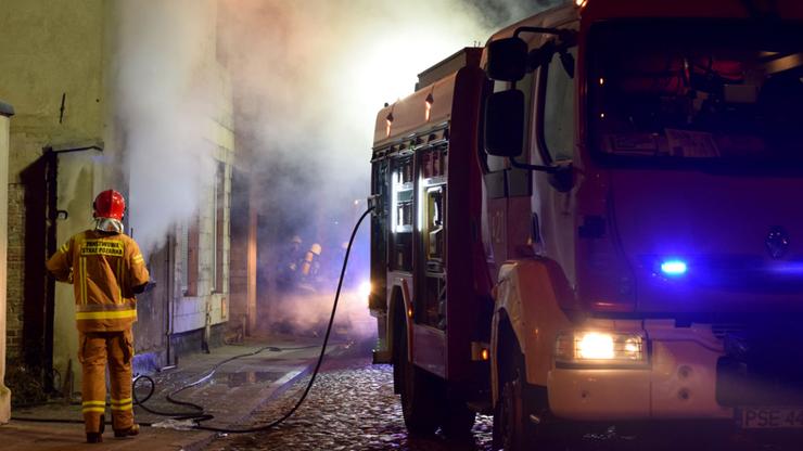 Pożar w Śremie. W budynku zwęglone zwłoki