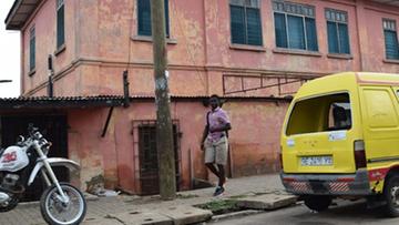 """Wydawali amerykańskie wizy. Fałszywa ambasada zamknięta po 10 latach """"pracy"""" w Ghanie"""