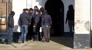 Zakaz dokarmiania uchodźców. Kontrowersyjne metody lokalnych polityków w Belgii