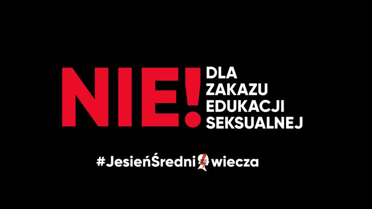 """Protesty w całej Polsce ws. edukacji seksualnej. """"#KrewNaRękach"""", """"#JesieńŚredniowiecza"""""""