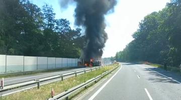 Pożar czołgów i wybuchy na A6